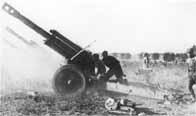 Obusiers de 152 mm soviétiques en action