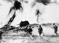 Infanterie soviétique montant à l'assaut