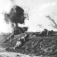 Soldats allemands sous le feu