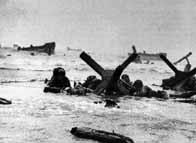 Des soldats américains tentent de se protéger des tirs allemands