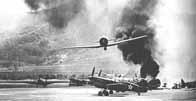 Un Zero survolant Pearl Harbor