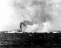 La bataille de la mer de corail Lexingtonbombes_v