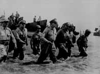 Bataille des Philippines. 20/10 1944 au 28 juin 1945 Macarthurphilippines_v