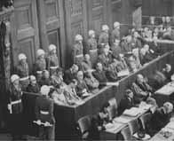 Les criminels de guerre nazis au banc des accusés