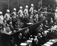 Ernst Kaltenbrummer plaidant non coupable durant son procès